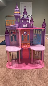 Toddler's purple and pink plastic castle dollhouse Germantown, 20874