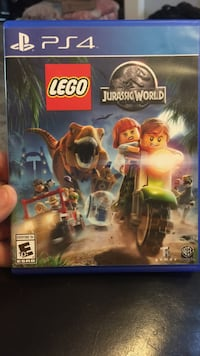 Lego Jurassic World PS4 game case