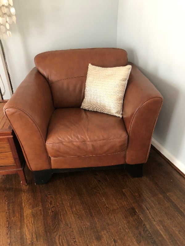 Leather Couch, Chair and Coffee Table 9ebd0b4b-70c6-4c93-87f9-ffb35b87b7f4