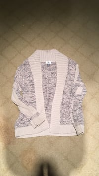 Kids white and gray cardigan Kelowna, V1W 4P5