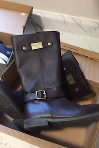 Michael Kors Dark Brown Boots Like New May never have been worn Size 2 Kitchener, N2P 2T5