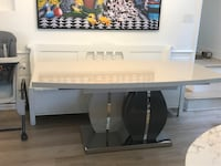Dining Table (Expandable) West Hollywood, 90048