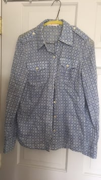 gray and white button up long sleeve shirt West Vancouver, V7S 2J9