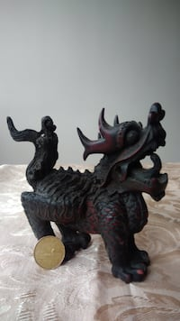 Old chinese/oriental wood carved dragon Montréal