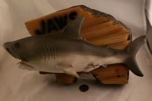 JAWS MOTION DETECT WALL PLAQUE