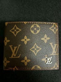 Louis Vuitton wallet new  Vancouver, V6B 3N6