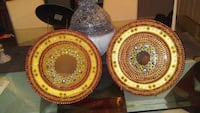 two round brown-and-red ceramic plates Miami, 33179