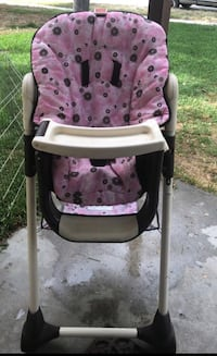 baby's pink and white high chair Colton, 92324