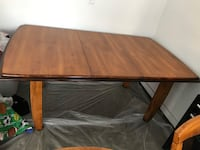 Table and chairs (6)