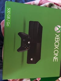 Xbox one console with controller box New York, 11414