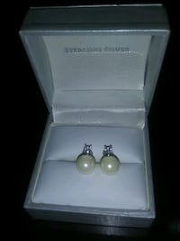 Sterling pearl earrings Fairview, 37062