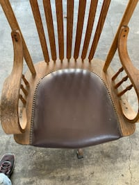 Antique wooden rocking chair Los Angeles, 91335