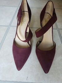 Ladies high heel shoes in beautiful colour  Surrey, V3X 2J4