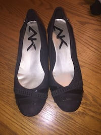 Anne Klein lifted flats