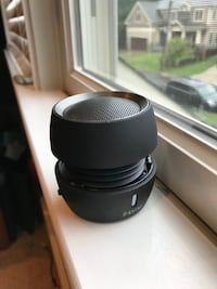 Ihome Bluetooth speaker - VERY LOUD Vienna, 22180
