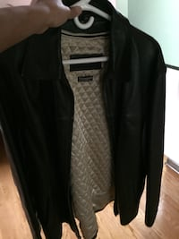 genuine leather jacket size extra large mint condition  550 km