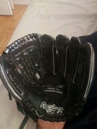 Rawlings baseball glove Aaron hill model Toronto, M6M 2M7