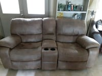 Admirable Used Rocking Reclining Loveseat Cindy Crawford From Rooms 2 Go For Sale In Venice Letgo Caraccident5 Cool Chair Designs And Ideas Caraccident5Info