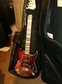 Strat copy inlay w/ padded soft shell case new