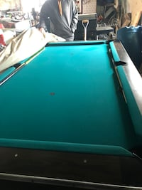 8 ft pool table Brown City, 48416