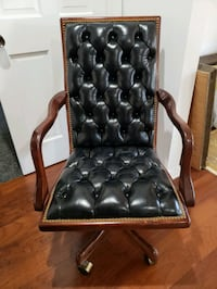 Black Leather Tufted Executive Desk Chair  Los Angeles, 90048
