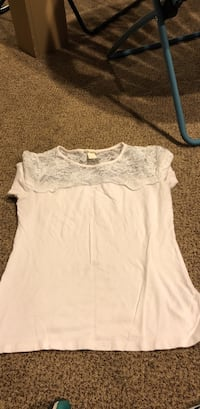 White shirt w/lace up top Fairfield, 45014