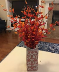 Beautiful large scrolled vase with Autumn decor Chino, 91710