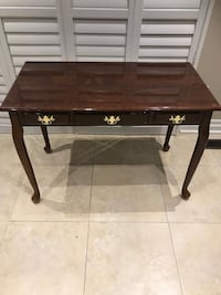 Bombay store console table in excellent condition  Brampton, L7A