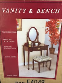 Vanity and bench set  Los Angeles, 91402