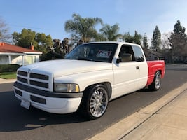 Dodge - Ram - 1997 clean Title smog tags new tires clean title rear axel air bags for heavy loads.