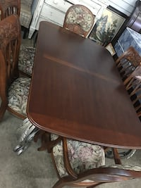 Solid wood dining table and 6 floral padded chairs  Noblesville, 46060
