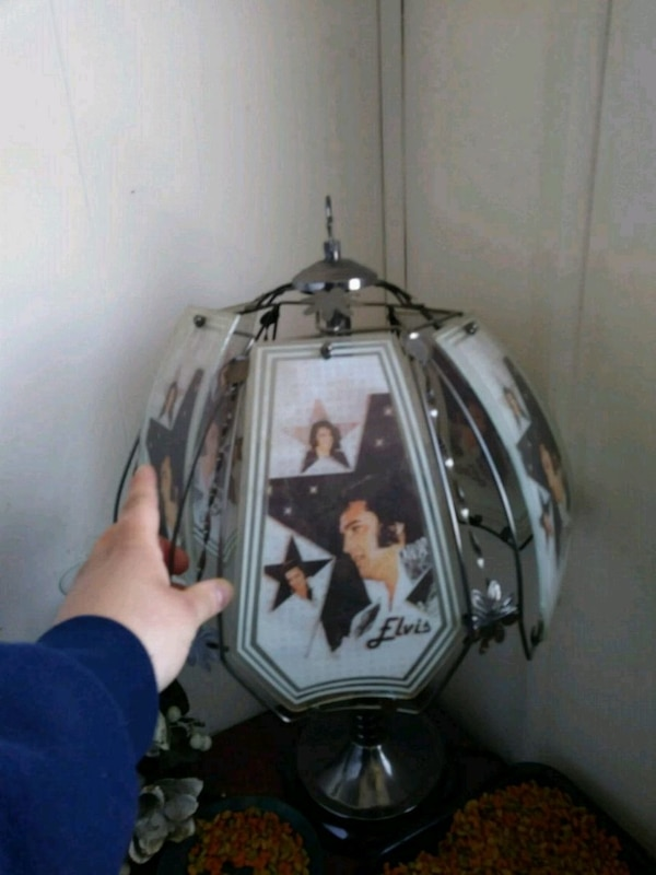 Elvis 3 touch lamp