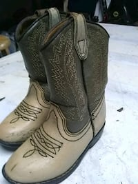 Toddler boots size 6 Terre Haute, 47804