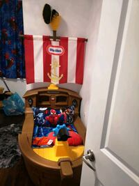 Pirate bed almost new any child will love it Toronto, M3M 1N9