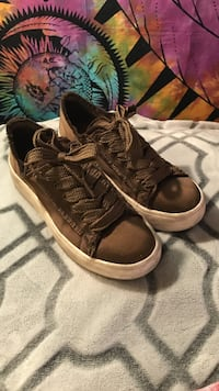 brown-and-white low-top lace-up sneakers Roseville, 95661