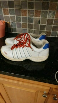 Mens K Swiss shoes size 10 Mills River