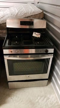 white and black gas range oven Hicksville, 11801