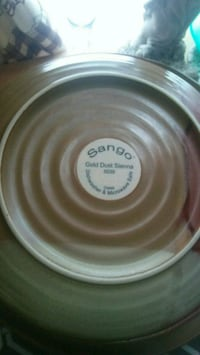 Sango gold dust pattern dishwasher and microwave s Monroe Township, 08094