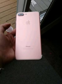 Iphone 7 plus rose gold 128gig MINT  Châteauguay, J6K 4G2
