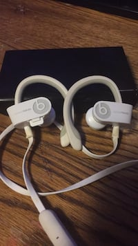 white Beats by Dr Big Rapids, 49307