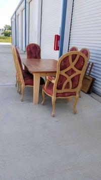 All wood dinette/table and 6 chairs Katy, 77449