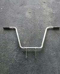 gray bicycle handle bar