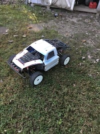 Rc car Artr 8s 1/5 scale King Rovan x2 RC. Comes with 2 4s 8000mah lipo batteries. Sicklerville, 08081