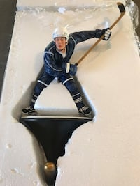 New in box hockey player coat hook null, K0A 3H0