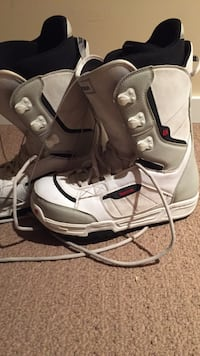 Pair of gray-and-white snowboard boots Central Okanagan, V4T 2C4
