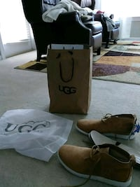 Authentic Never Worn Mens Uggs Duluth, 30097