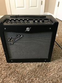 Fender mustang V.2 amp. Great amp absolutely nothing wrong with it just dont ever play anymore Shreveport, 71119