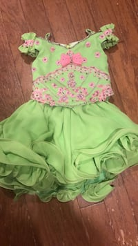 Lime green with pink trim cupcake dress. Comes with matching ruffle sock pieces. Size 3 Dublin, 31021