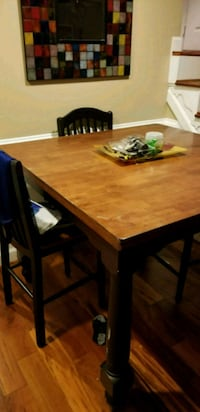 Dining room table with 6 chairs and a leaf Fairfax, 22033