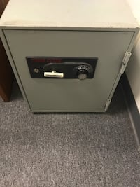 Large floor safe Yorba Linda, 92887